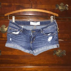 GILLY HICKS Jean shorts, size 2